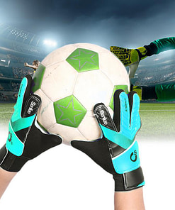 https://refuseyoulose.com Kid's Soccer Goalkeeper Gloves Best Gifts of 2020 For Boys 🙍🏻‍♂️ Soccer Products ⚽️ color: Blue|Yellow|Green|Orange Refuse You Lose https://refuseyoulose.com/shop/kids-football-goalkeeper-gloves/