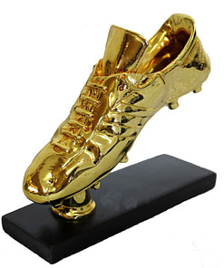 https://refuseyoulose.com Golden Football Boots Trophy Sports & Jerseys ⚾️🏀🏈⚽️🏒 Soccer Products ⚽️ color: Gold Refuse You Lose https://refuseyoulose.com/shop/golden-football-boots-trophy/